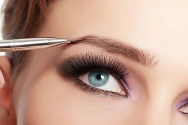 Make-up/Tatovering